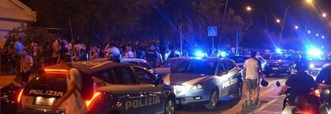Maxi festa non autorizzata in spiaggia: la Polizia disperde 500 ragazzi