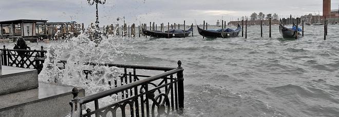 Madre e figlio morti intossicati in casa a Venezia