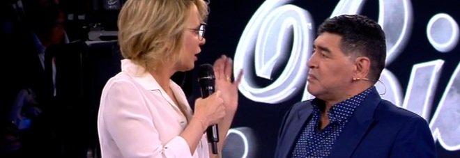 Amici17, Ospite della terza puntata Maradona « Mi sembra di essere a Napoli  »