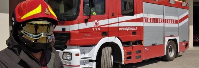Gualdo Tadino, vandali danno fuoco alle panchine della stazione