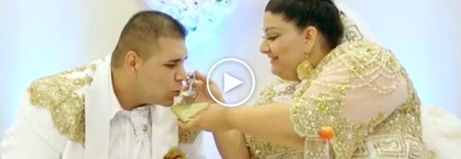 Matrimonio Zingari : Matrimonio gitano super lusso banconote lanciate agli