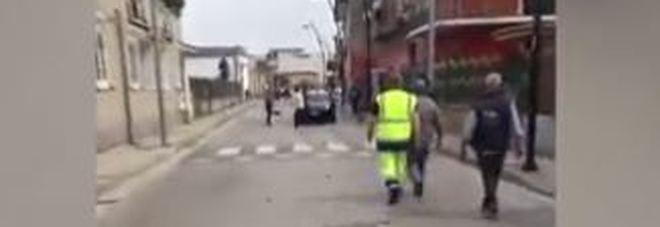 Pietre contro auto e nogozi, paura nel Salernitano: ferito un carabiniere, arrestato nigeriano