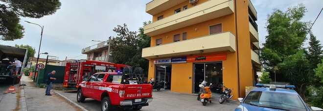 Pescara, casa a fuoco: intossicata e ustionata donna di 54 anni (fotoMax)