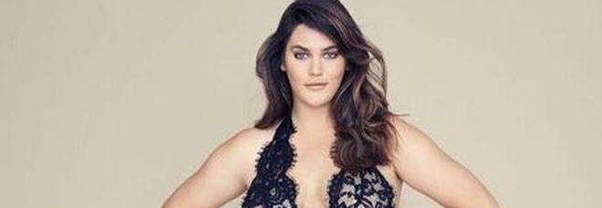 Victoria's Secret scopre le curvy: per la prima volta una modella taglia 44