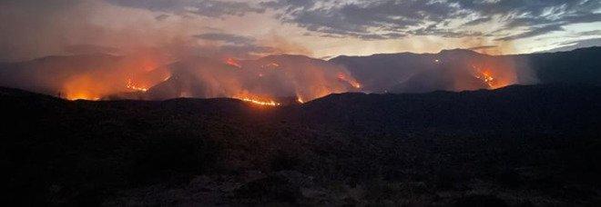 Caldo record e incendi negli Stati Uniti: in Arizona morti due vigili del fuoco