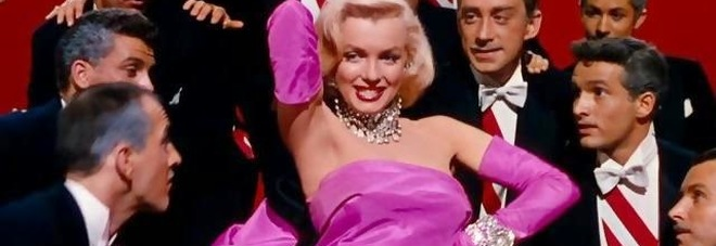 Marilyn Monroe in una scena del musical