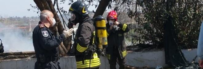 Incendio al campo nomadi di via Pietralata: coinvolte 70 persone