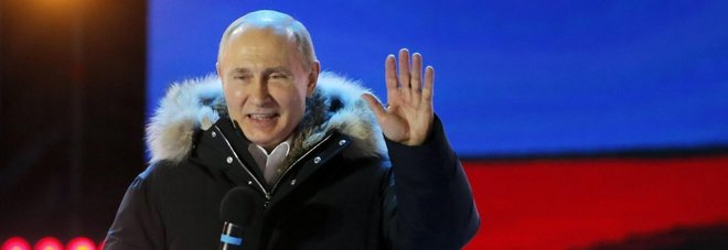 Poker di Putin, sfida all'Occidente