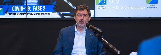 Coronavirus, il governatore Marsilio dopo l'isolamento: «Tampone negativo, torno in ufficio»