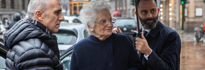 Liliana Segre con la scorta