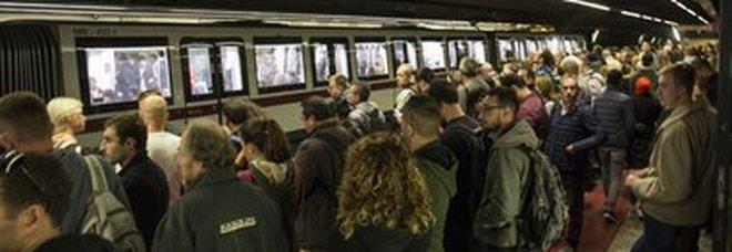 Guasto sulla Metro A, convogli fermi tra Battistini e Ottaviano. Istituiti bus