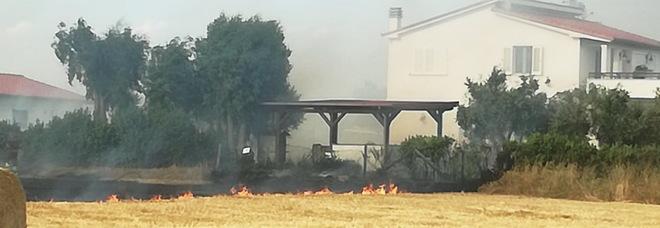 Il fumo del vasto incendio