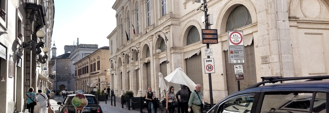 Da lunedì 26 luglio sarà attivo il varco di via Garibaldi, altezza Teatro Flavio Vespasiano