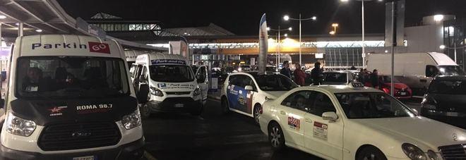 Fiumicino allarme bomba in aeroporto fatto brillare un - Allarme bomba porta di roma ...