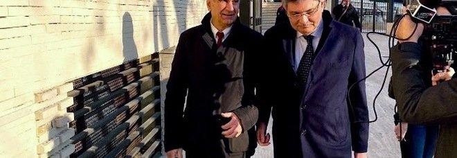 A sinistra l'ex maresciallo Mottola e l'avvocato Francesco Germani