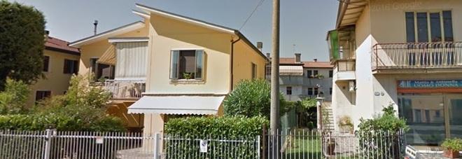 L'abitazione in via Montà