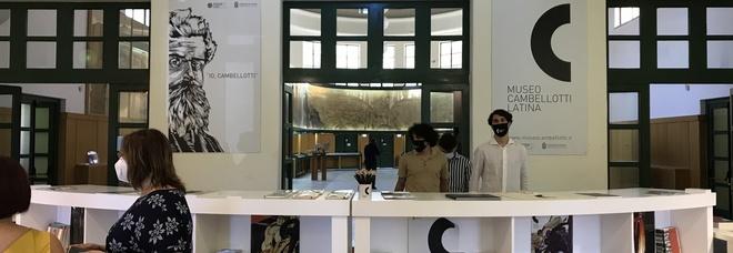 """Successo di visitatori per il """"primo giorno"""" del nuovo museo Cambellotti"""