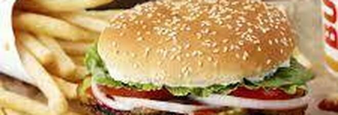 Vaccini, Burger King dosi a dipendenti e piccoli ristoratori: aperto il sito per le registrazioni