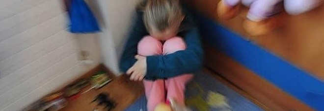 Avvicina una minorenne alle giostre e la violenta, arrestato un uomo di 50 anni