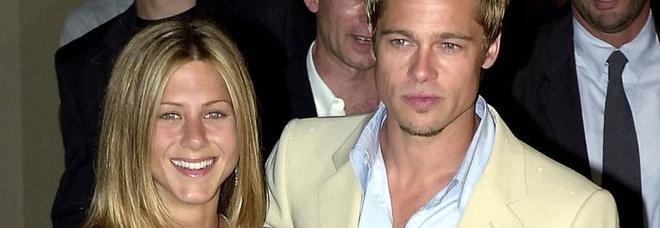 «Brad Pitt e Jennifer Aniston vogliono fare un figlio insieme»