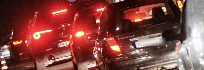 Roma, incidente a Corso Francia: con lo scooter contromano centra un'auto, morto 37enne