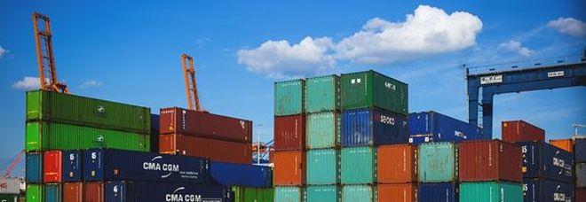 Stati Uniti, cresce deficit bilancia beni ad aprile