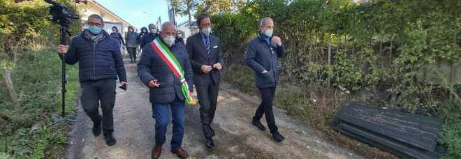 Amatrice, l'ambasciatore tedesco in visita nel sito dove verrà realizzato il nuovo ospedale Grifoni
