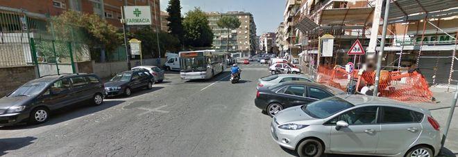 Roma, anziana travolta da un furgone a Tor dè Schiavi: ricoverata d'urgenza in ospedale