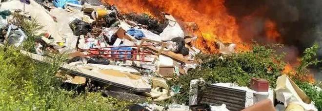 Roma, Asl: «Il campo rom di Castel Romano va sgomberato, gravi motivi igienico-sanitari»
