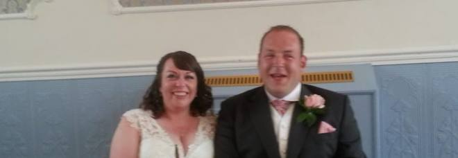 Morto di tumore a 31 anni durante viaggio di nozze: «Non sapeva di essere malato»