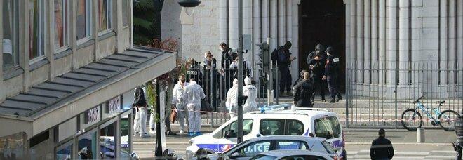 Attentato a Nizza, arrestato un terzo uomo di 33 anni per l'agguato in chiesa