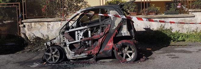 Anzio, distrutta da un incendio l'auto della dirigente del commissariato di polizia