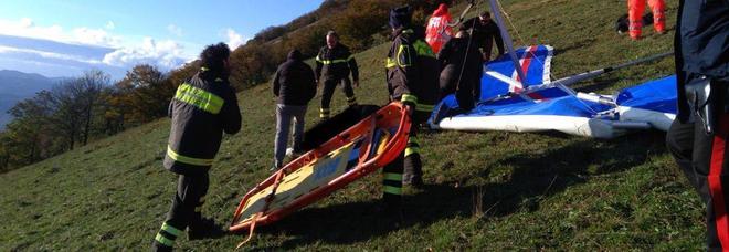 Le operazione di recupero del deltaplanista morto a Sigillo