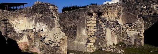 Pompei nuovo crollo cede una parete nella casa della for Aiuto nella progettazione della casa
