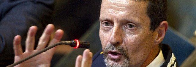 Roma, Carlo Buttarelli investito in moto sull'Appia: il vice comandante dei vigili in codice rosso