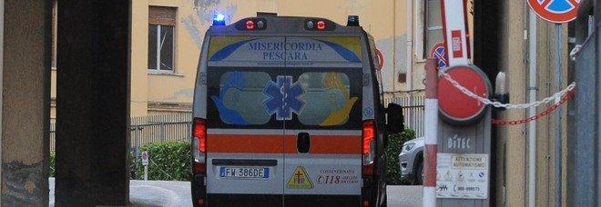Scontro tra due auto: feriti due bambini piccoli a Montesilvano Colle