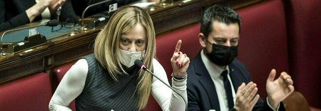 Vaccini, Giorgia Meloni: «Governo contraddittorio, contribuisce a scatenare panico tra cittadini»