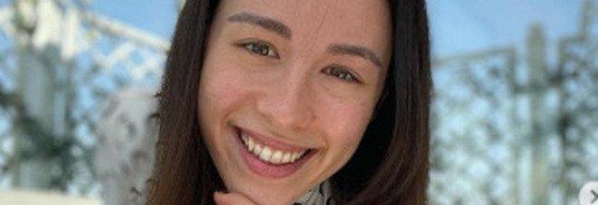 Aurora Ramazzotti contro le molestie in strada. Gli haters (donne) la umiliano: «Ma chi ti fischia»