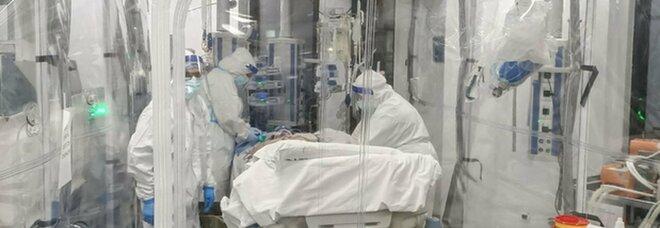 Neonato positivo e intubato a Palermo, ricoverata anche una bimba di 9 anni. «I genitori sono no-vax»