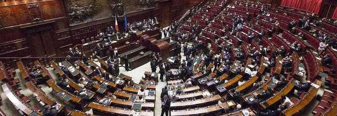 Dl casa manca il numero legale e salta la seduta il for Numero senatori e deputati