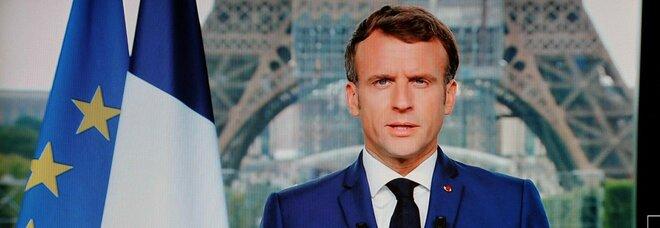 Vaccino obbligatorio per i sanitari in Francia: il discorso di Macron