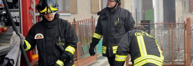 Padova, casa a fuoco nella notte: madre e figlio trovati morti abbracciati