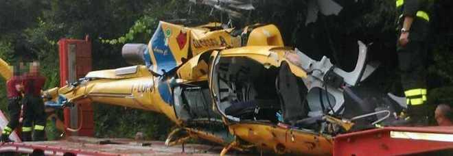 Elicottero Verde E Giallo : Elicottero caduto il giallo del cavo di acciaio per