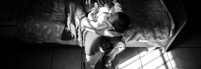 Essere madri in carcere, a Rebibbia una mostra fotografica sulle detenute e i figli