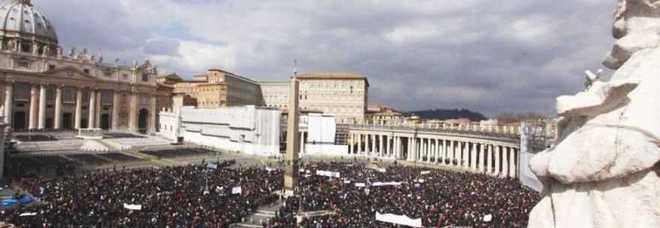 «Biglietti per la canonizzazione dei Papi a San Pietro»: truffa delle agenzie ai fedeli