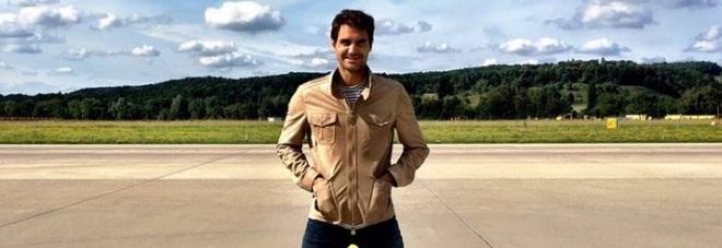 L'omaggio di Federer ai Cavs: «Una scarpa di LeBron e una di Irving»