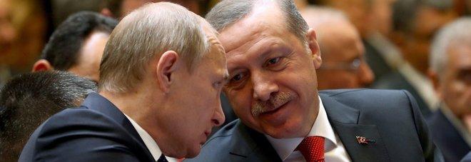 Media iraniani: «La Russia avvertì Erdogan dell'imminente golpe». Putin smentisce