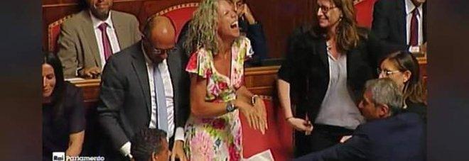 Cirinnà vittima dell'odio web: sepolta dagli insulti sessisti per la sua risata contro Salvini
