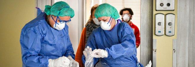 Coronavirus, 500mila tamponi trasportati dall'Italia agli Stati Uniti con un volo dell'aeronautica