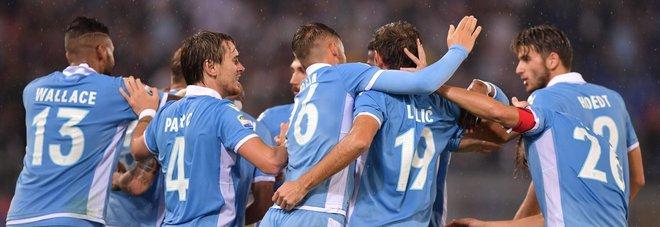Abbraccio giocatori della Lazio